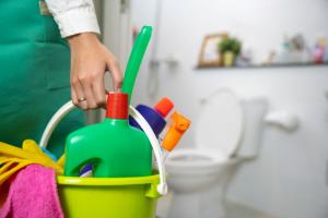 Cara mengatasi wc tersumbat tanpa dibongkar
