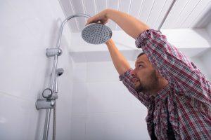 Cara pasang shower kamar mandi